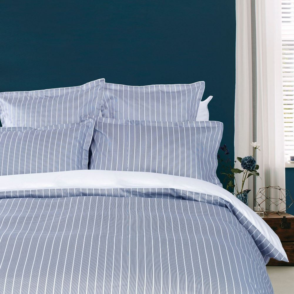 tommy hilfiger bettw sche navy reyaud 155x220 cm bett und so. Black Bedroom Furniture Sets. Home Design Ideas